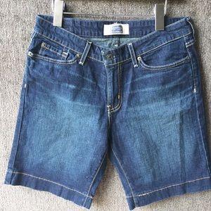 Levi Bermuda Short Size 6